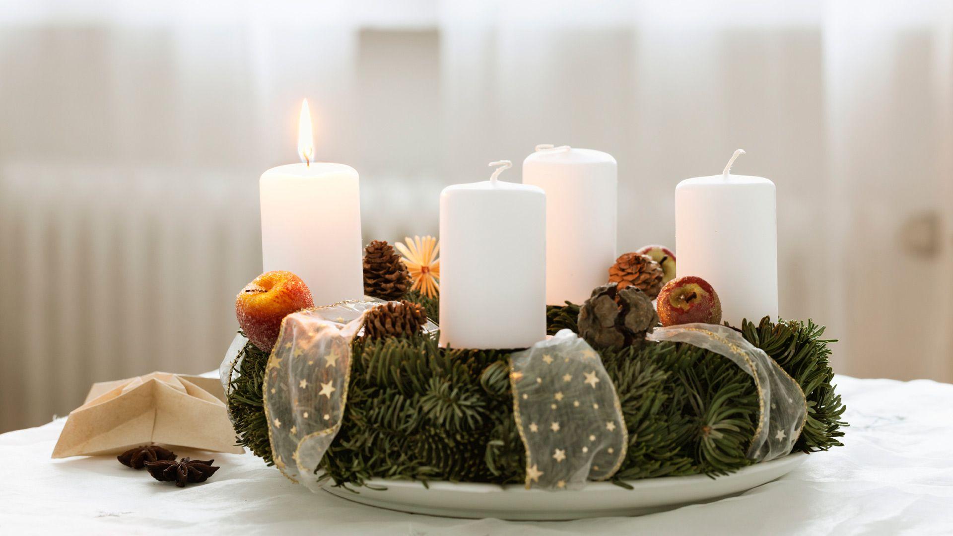Advent Adventskranz Kerzen Weihnachten Tradition Österreich