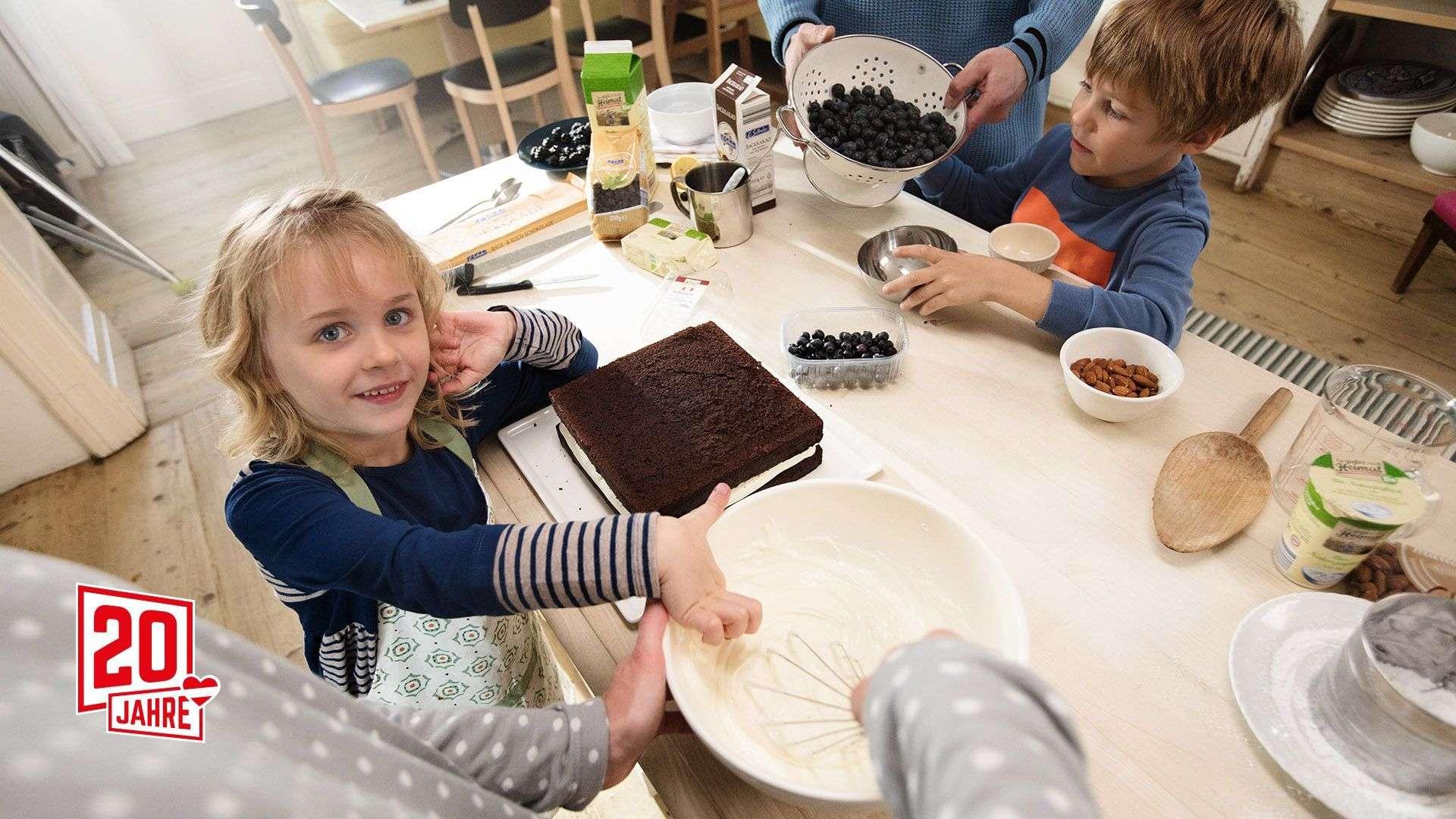 Jubiläumstorte mit Kindern backen mit Tipps von Lidl Österreich