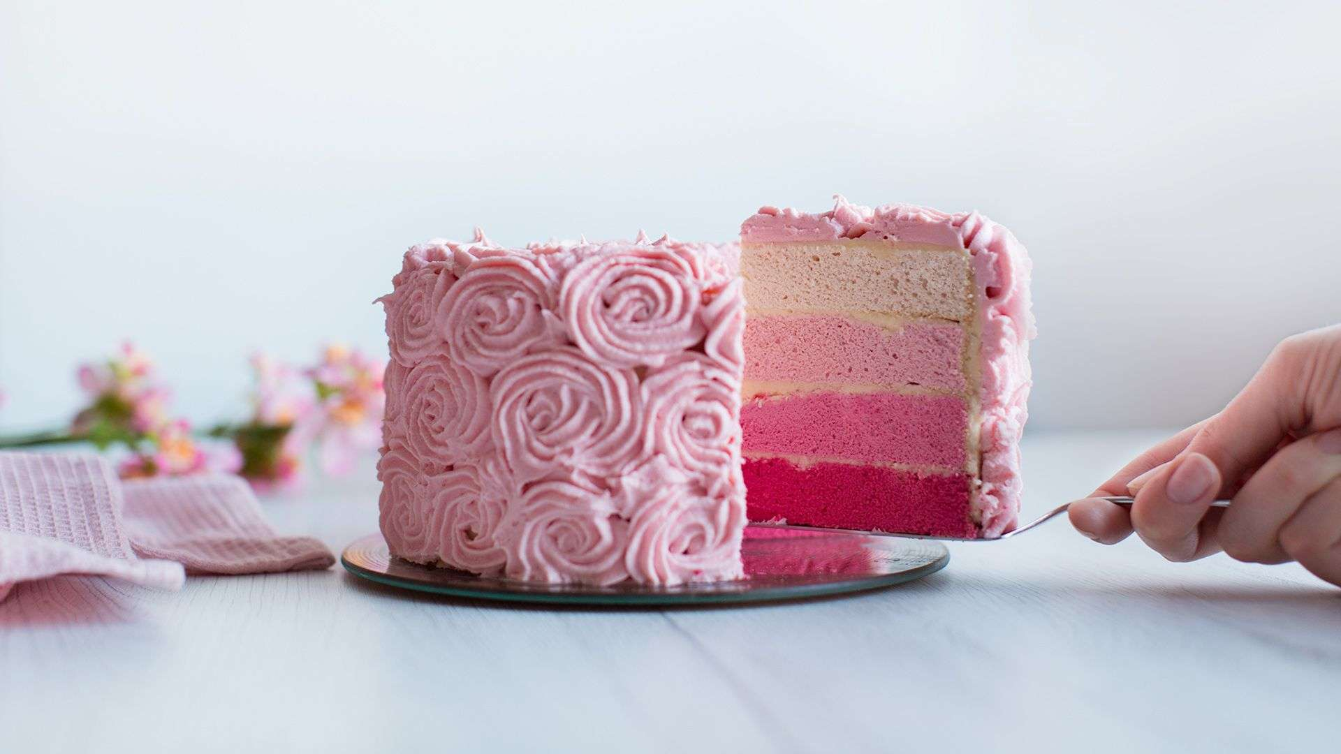 Ombré-Torte mit Buttercreme-Rosen von Lidl Österreich