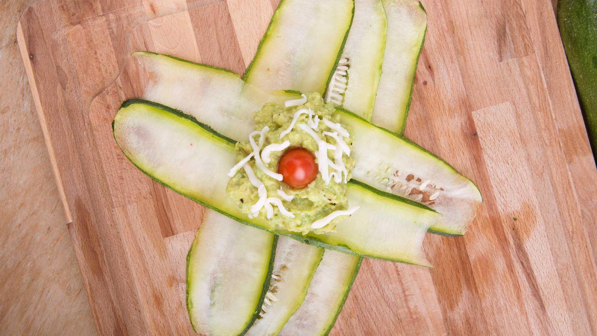 Vorbereitung Zucchini-Avocado-Taschen von Lidl Österreich