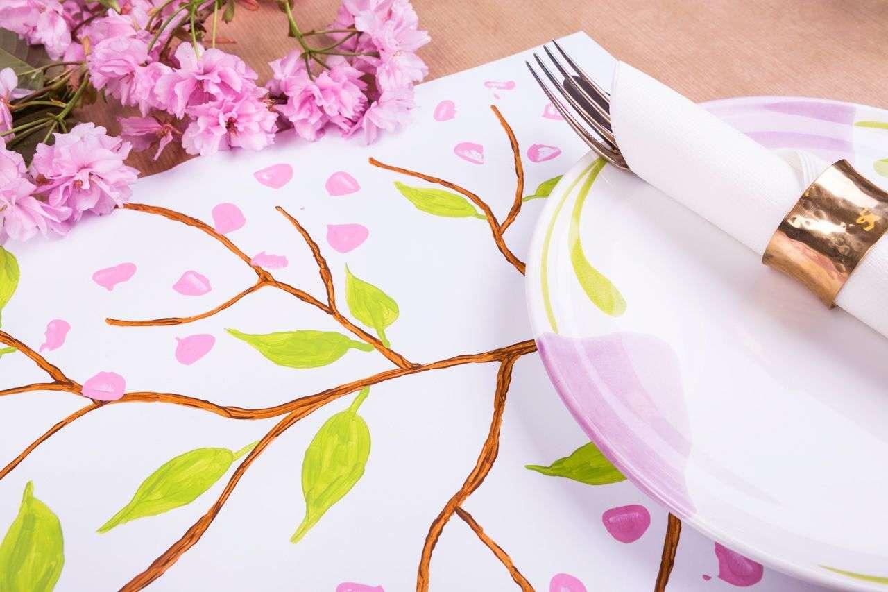 Farbenfrohe Bastelidee Kirschenblütenzeit auf Tischset von Lidl Österreich